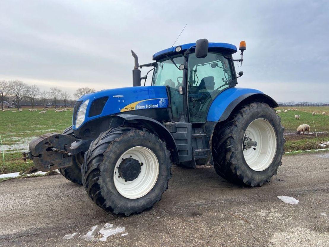 Трактор New Holland T7060 SideWinder II